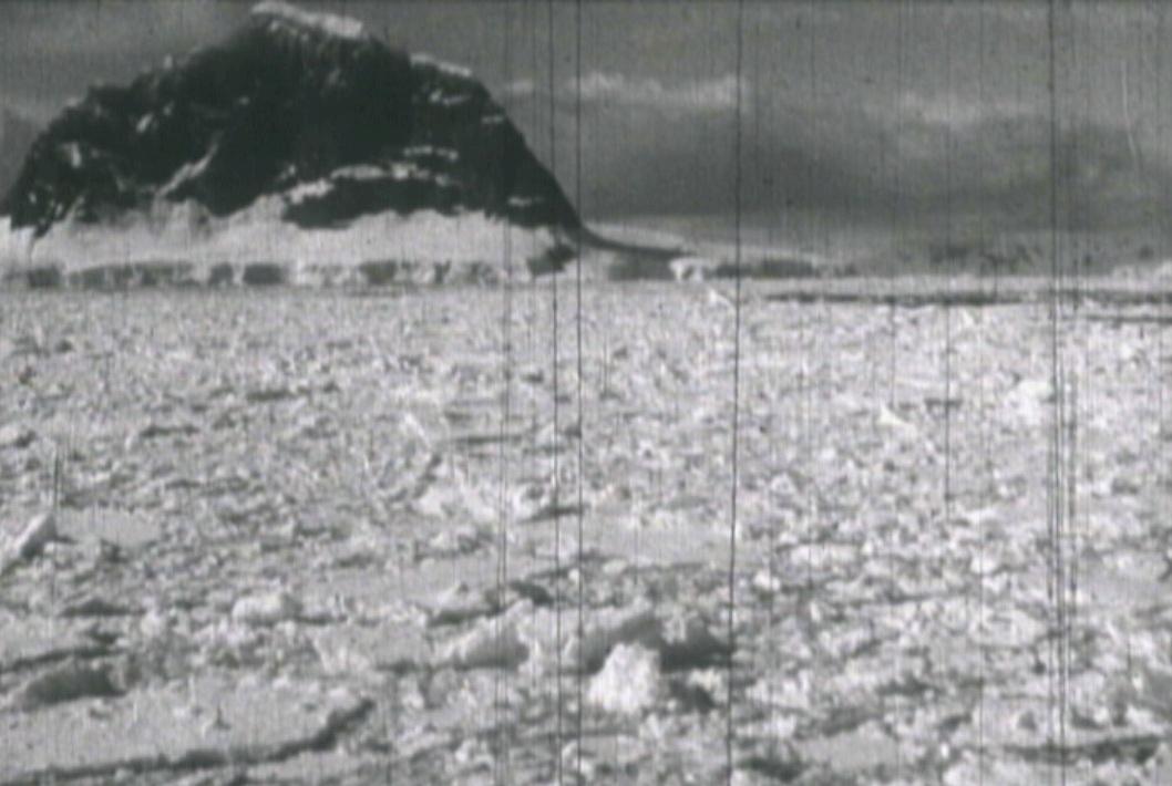 Figura 3. La poética del paisaje por Patricio Guzmán Campos (fotograma de La Universidad en la Antártica)
