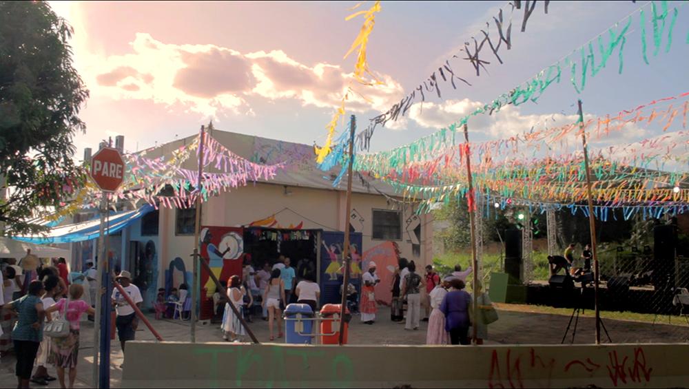 Figura 6. Fotograma del documental A Dança da Amizade (La Danza de la Amistad, G. A. Sobrinho, 2016)