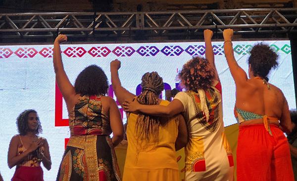 Fig. 8. Renata Sousa, Mónica Francisco, Dani Monteiro y Taliria Petrone en el Festival Marielle
